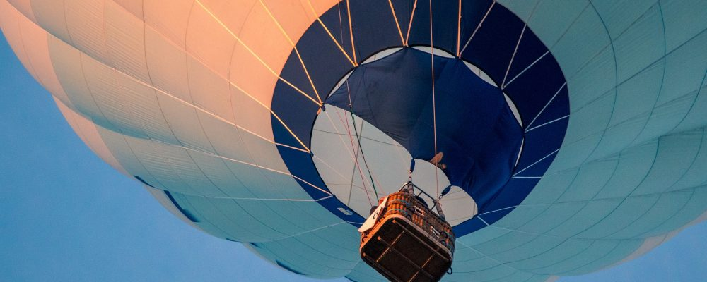 hot-air-balloon-3648832_1920
